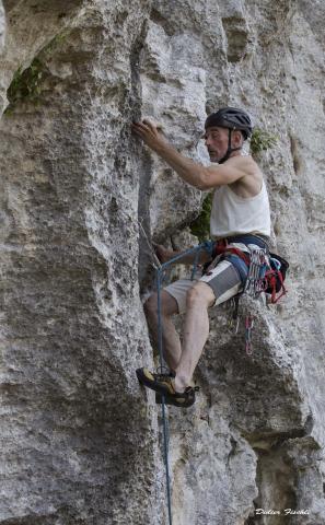 Mauro à la nouvelle falaise de Perti